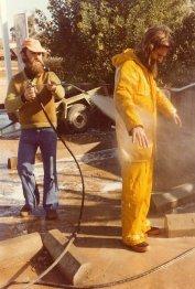 Pete de Vaus (Matt's dad) cleaning up navigator, Richard Williamson. Richard Davies pic.